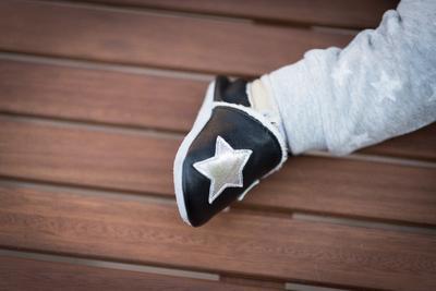 Capáčky kožené - černé s hvězdami zateplené - 5